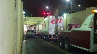 TruckStuckinBankheadTunnel