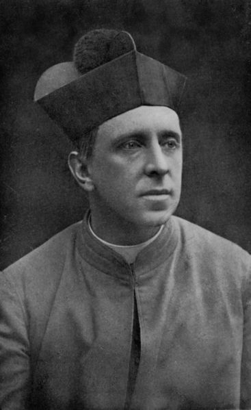 367px-Monsignor_R._H._Benson_in_Oct._1912,_Aged_40