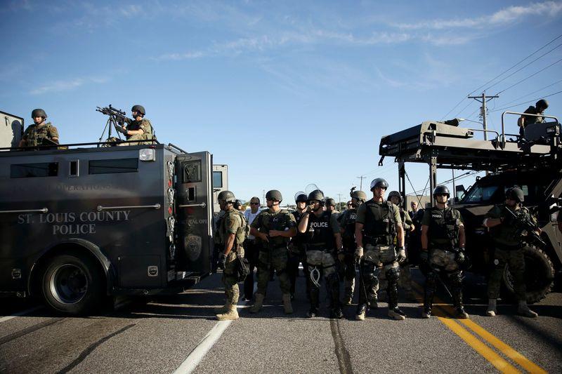 Ferguson-police-2